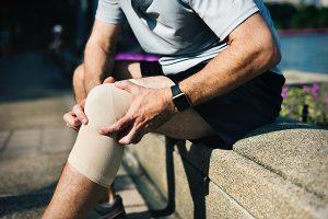 Arthrose und Gelenkschmerzen betreffen immer mehr Menschen.  SynerThrose ist ein 100% natürliches Produkt von SynerJ-Health, das von Jacques Prunier gegründet wurde, um Gelenkschmerzen zu lindern und die Symptome von Arthrose auf natürliche und dauerhafte Weise zu lindern.