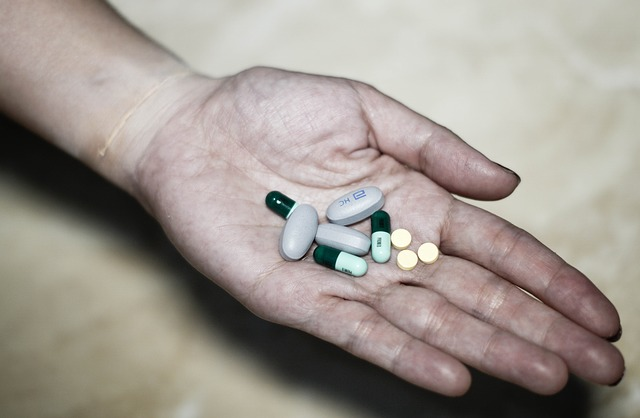 En France, la consommation d'opioïdes forts analgésiques a plus que doublé en 10 ans. La douleur est une préoccupation majeure de la plupart des Français. SynerDOL de SynerJ-Health apporte ainsi une solution naturelle, non-médicamenteuse et non toxique face à la douleur chronique et la douleur aigüe.